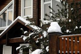 Дома от 30 млн руб. продаются в 450 поселках, подсчитали в Penny Lane Realty: в 39 из них продажи возможны только на первичном рынке, в 356 – только на вторичном рынке