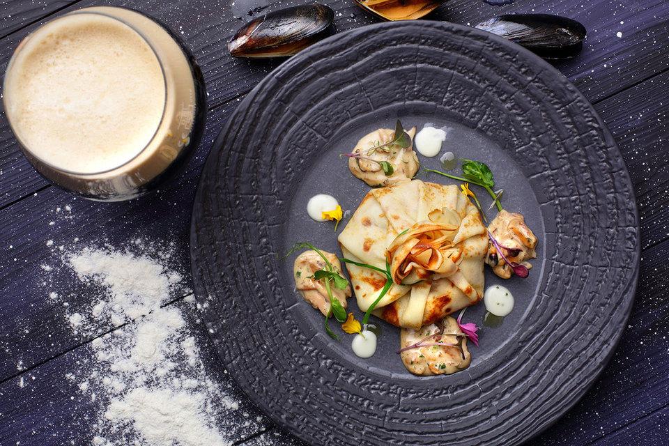 Столичные рестораны соревнуются, составляя блинные меню