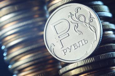 Рубль укрепился после падения