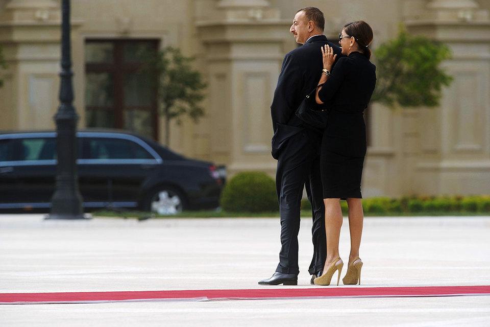 Президент страны назначил свою супругу вице-президентом— Семейное дело