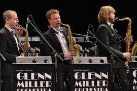 Оркестр владеет классическим набором произведений и авторов