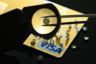 Visa разрабатывает новую технологическую платформу под программу привилегий для держателей премиальных карт, рассказал директор департамента новых продуктов Visa в России