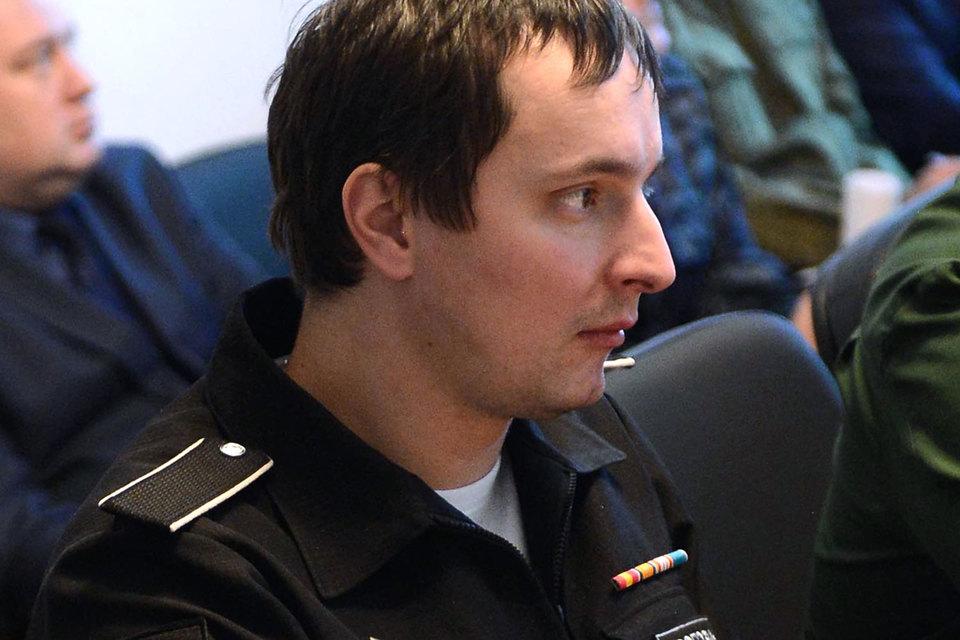 Сейчас Рогозин-младший занимает должность замначальника департамента имущественных отношений Минобороны