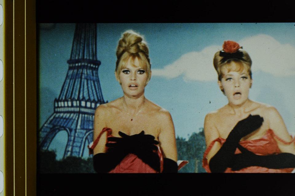 Брижит Бардо и Жанна Моро сыграли певичек в фильме «Вива, Мария!»
