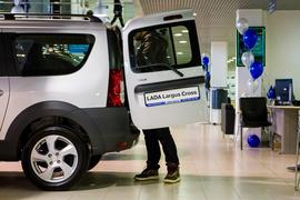 Дилерам «АвтоВАЗа» уже несколько месяцев не хватает пассажирских версий Lada Largus