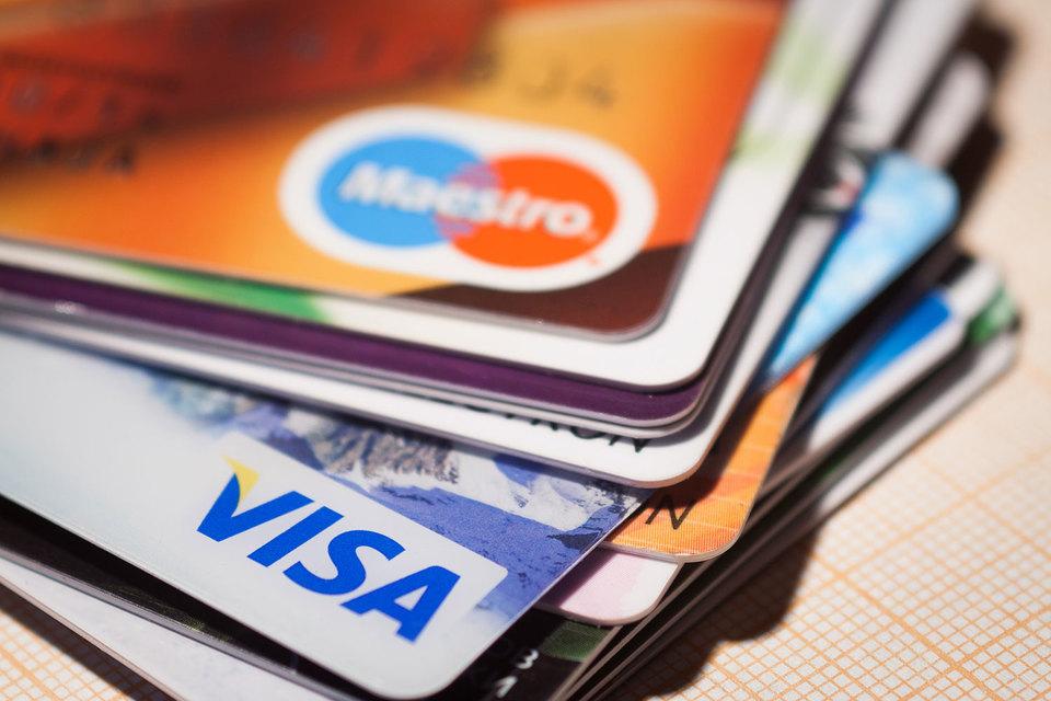 ЦБ: платежи покартам набирают обороты
