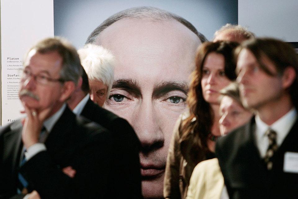 Американский телеканал CNN выпустил документальный фильм о президенте России Владимире Путине под названием «Самый могущественный человек в мире»