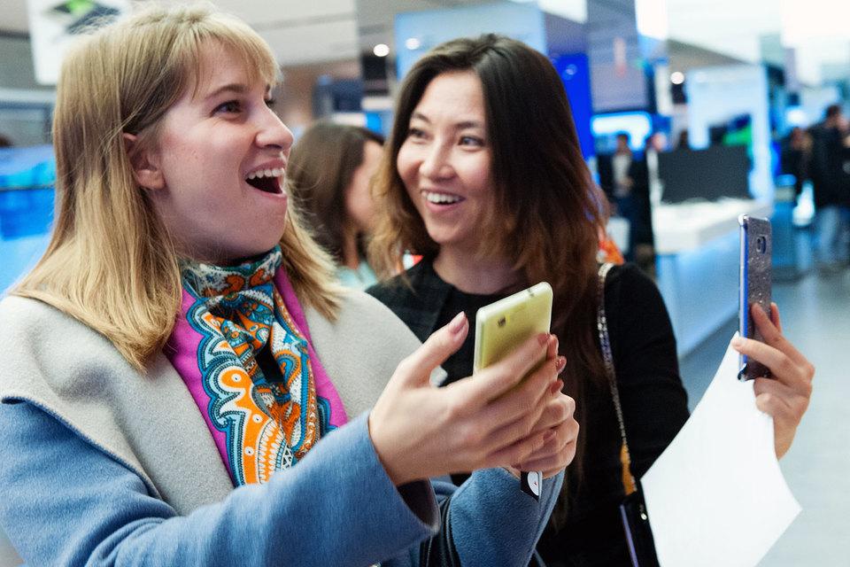 Продажи смартфонов Samsung в России в штуках выросли примерно на 80%
