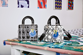 Черно-белые сумки с экспрессивно прошитыми стежками Дэниела Гордона напоминают оп-арт