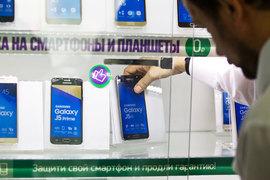 Рост доли Samsung в феврале обусловлен успехом нового модельного ряда смартфонов Galaxy A 2017, а также проведением эффективных маркетинговых кампаний в рознице