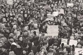 Политическая апатия, в которую общество вроде бы погрузилось после подавления болотных протестов, означает и накопление недовольства