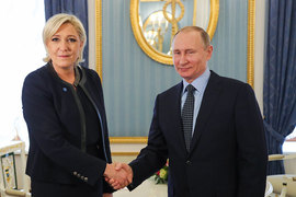 У Ле Пен был не такой большой выбор, куда поехать, – в Западной Европе ее видеть не хотят