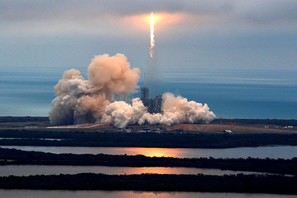 SpaceX впервый раз вистории повторно запустила ступень ракеты Falcon 9