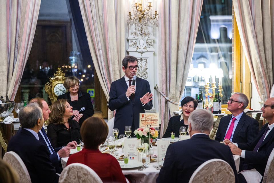 Посол Франции в России Жан-Морис Рипер открывает вечер