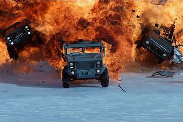 Кадр из фильма «Форсаж 8»