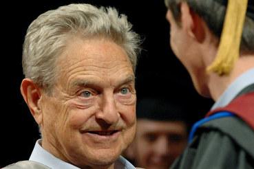 Нынешний премьер-министр Венгрии Виктор Орбан когда-то получил стипендию Джорджа Сороса, а теперь считает его своим идеологическим врагом