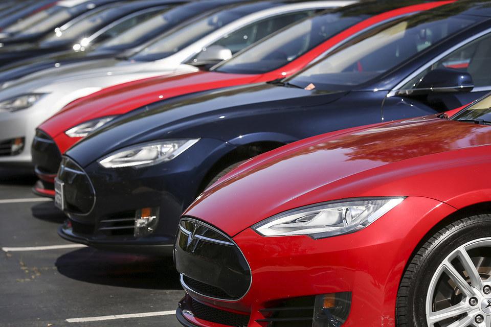 Tesla обогнала Форд порыночной стоимости иприблизилась кGM