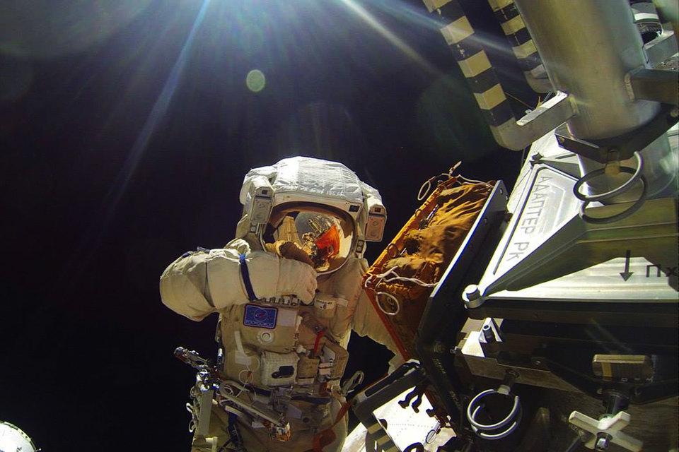 Вначале рабочей недели проведут корректировку орбиты МКС