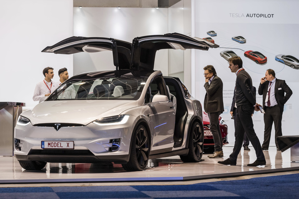 Tesla закрепляет статус самого дорогого автомобильного производителя  США