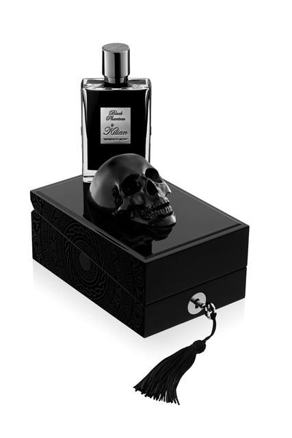 1. Новинка мая – Black Phantom Memento Mori (кофе, ром и миндаль, имитирующий запах ... цианида)