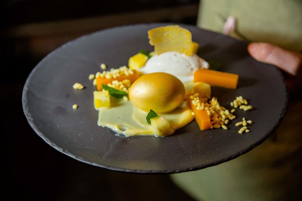 Золотое яйцо с ананасовым кремом