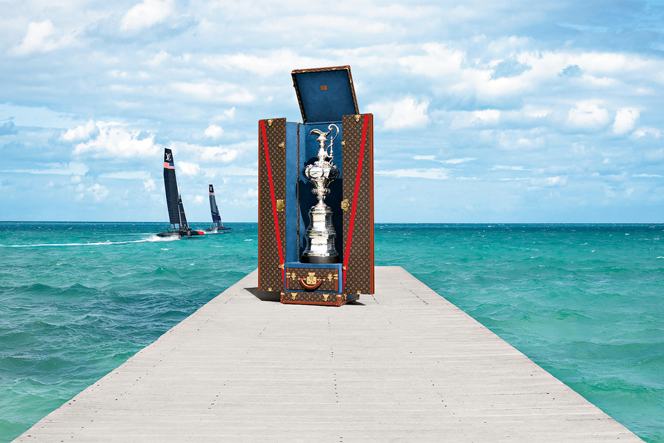 Для Кубка регаты был создан особый сундук; аксессуары Louis Vuitton America's Cup