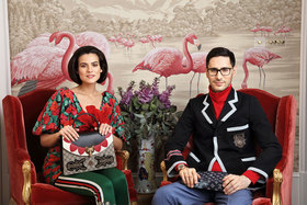 Модели: Анна Татаева и Мурад Атаев; Она: Платье, лосины исумка – все Gucci  Он: Водолазка, пиджак ибрюки – все Gucci, папка Louis Vuitton, часы Chopard; Кресла De Gournay