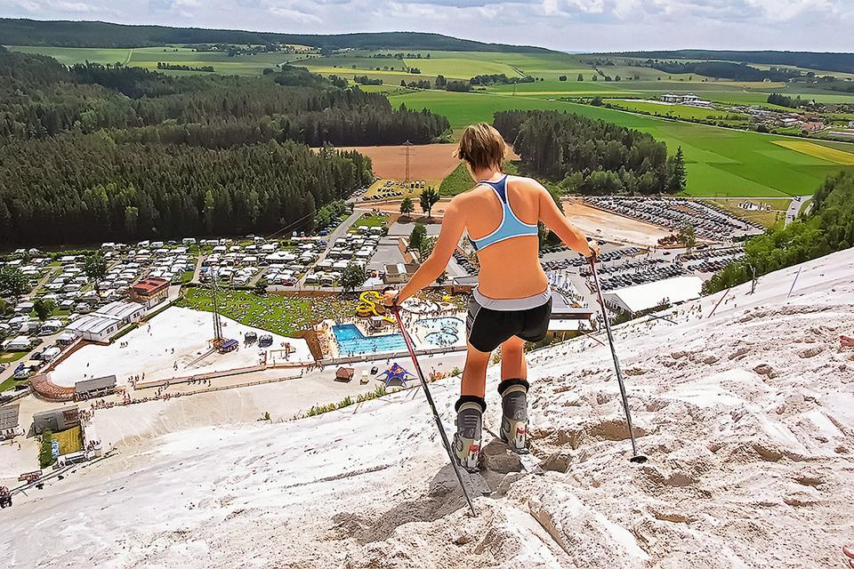 Отвалы отработанной породы в немецком Монте-Каолино были превращены в сендски-курорт