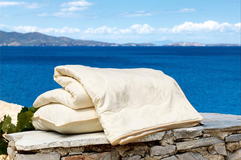 Остров в Эгейском море Санторини вдохновил дизайнеров Togas на создание текстильной коллекции