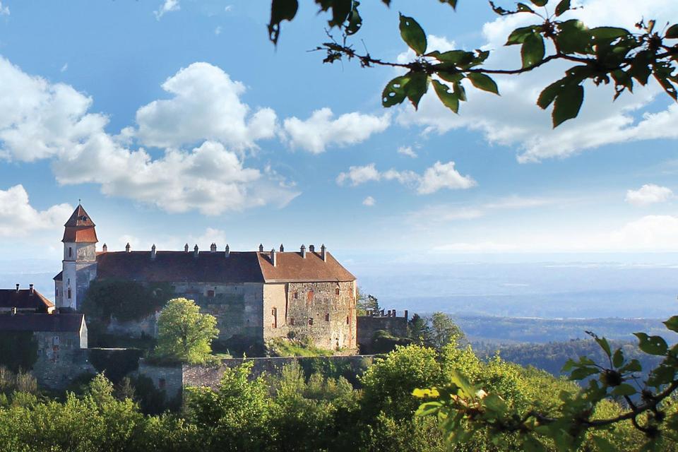 Замок-отель Burg Bernstein, Австрия