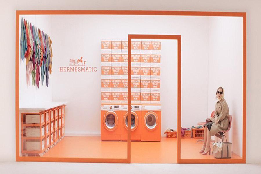 Платки Hermès принимают в «прачечные» бесплатно, на их обновление уходит 24 часа