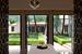 В отеле Amanbagh спа-процедуры проходят в саду