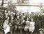 Руководители и сотрудники Государственных фарфорового и стеклянного заводов во дворе предприятия, 1920-е гг.