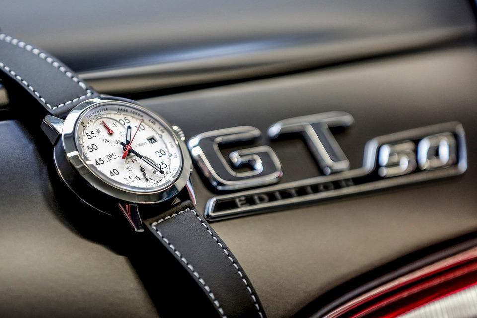 Часы Ingenieur Chronograph Sport Edition «50th anniversary of Mercedes-AMG» изготовлены в количестве 250 экземпляров