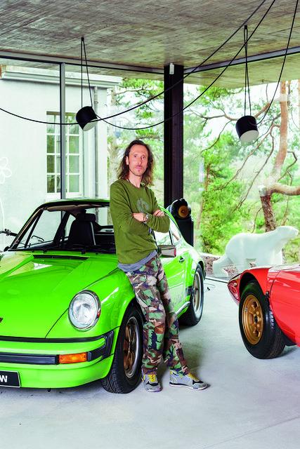 С самых ранних лет Давид Ольдер обожал классические автомобили, выпускавшиеся с 1960-х по 1990-е годы