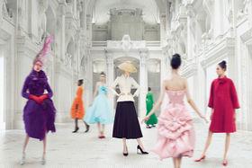 Это крупнейшая выставка, когда-либо проходившая в парижском Музее декоративного искусства