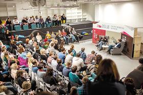 Культурно-образовательное пространство «Охта-Лаб» в ТК «Охта Молл». Выступление блогера, журналиста и медиаменеджера Антона Носика (1966 - 2017)