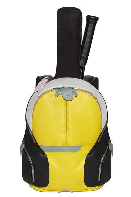 Рюкзак для тенниса выполнен в контрастном сочетании желтого и черного цветов