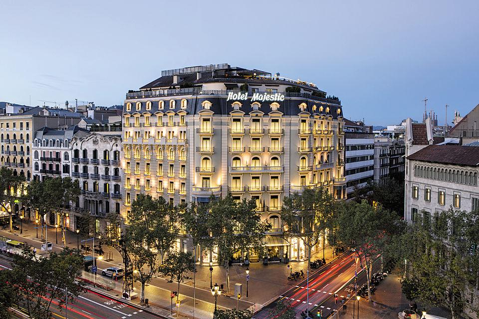 Один из старейших отелей Барселоны, Majestic Hotel & Spa, расположен в сердце столицы Каталонии, на бульваре Paseo de Gracia
