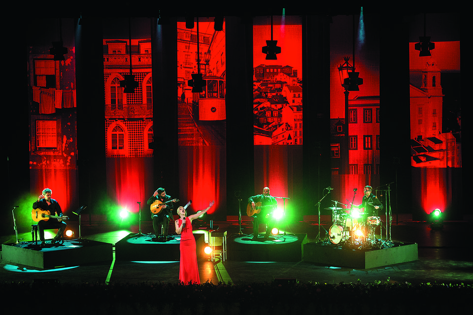 Выступление Маризы, португальской исполнительницы фаду, в рамках Международного фестиваля искусств в Абу-Даби, март 2017 года