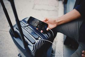 Смарт-чемодан Bluesmart соединяется со смартфоном