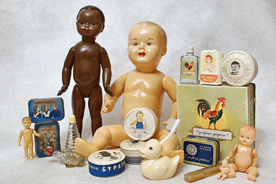 Голыши из целлулоида и предметы детской гигиены, 50–60-е гг