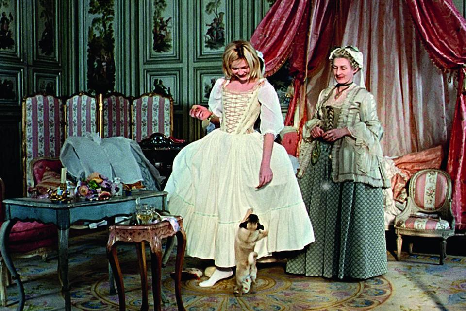 Кадр из фильма Софии Копполы «Мария-Антуанетта» (2006 г.)
