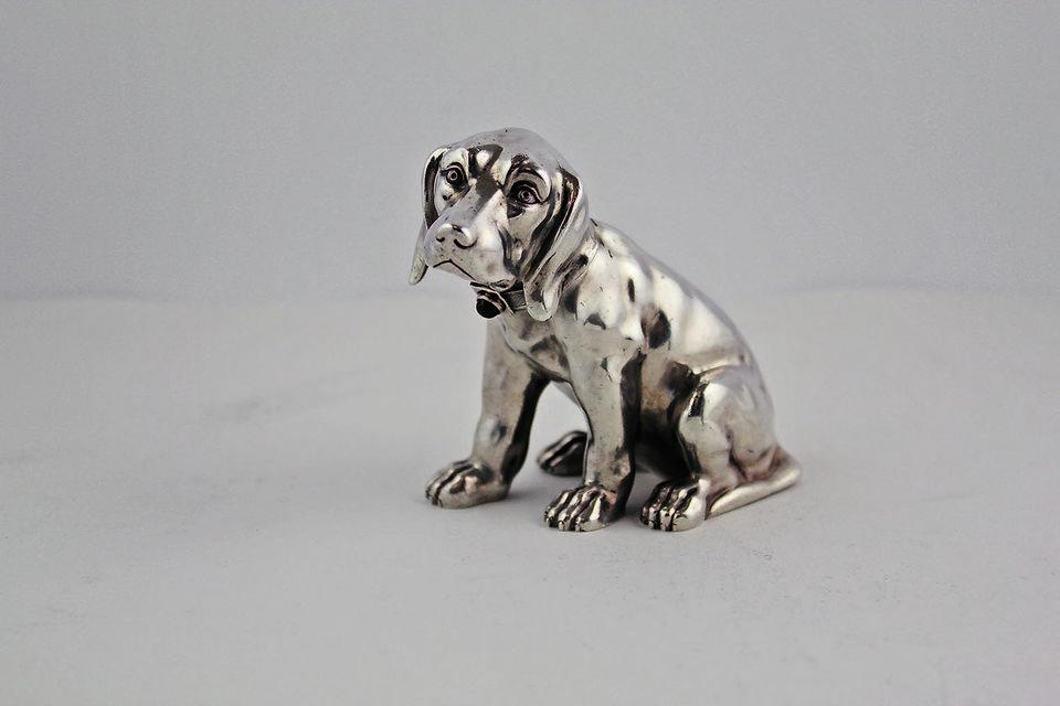 Статуэтка в виде собаки (серебро)