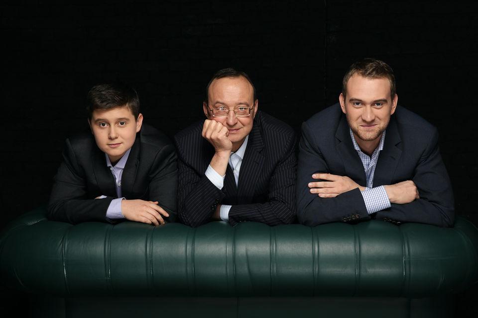 Создатель винного хозяйства «Лефкадия» Михаил Николаев и его сыновья Алексей (слева) и Михаил (справа)