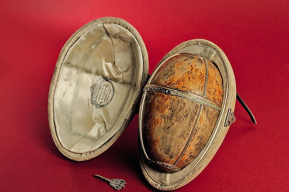 Пасхальные яйца – самые известные изделия ювелира (нафото – яйцо изберезы)