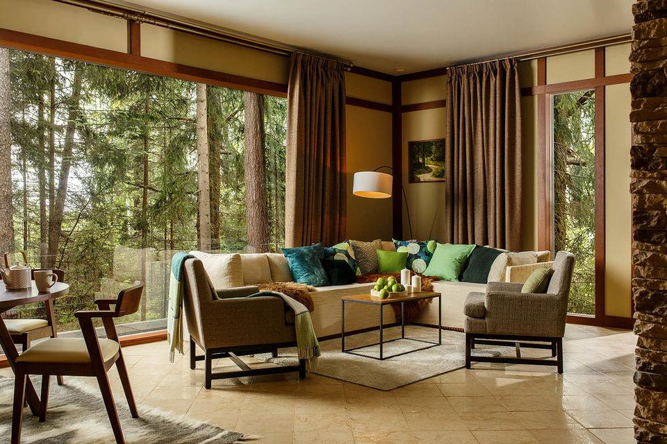 Уединенный отель в сосновом лесу
