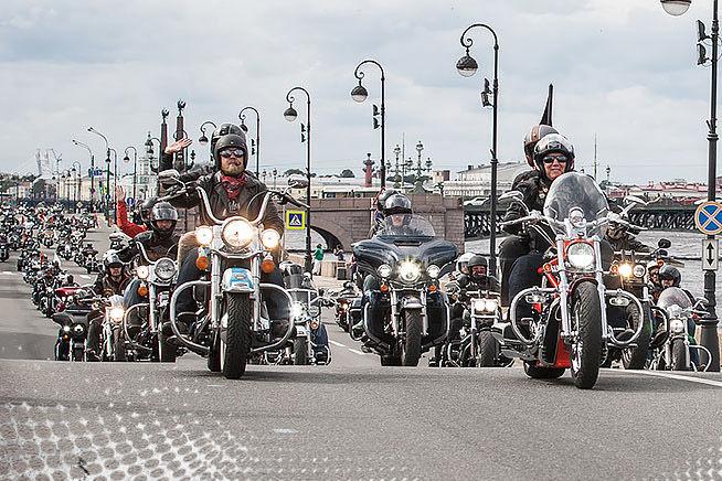 Мотопарад на фестивале Harley Days