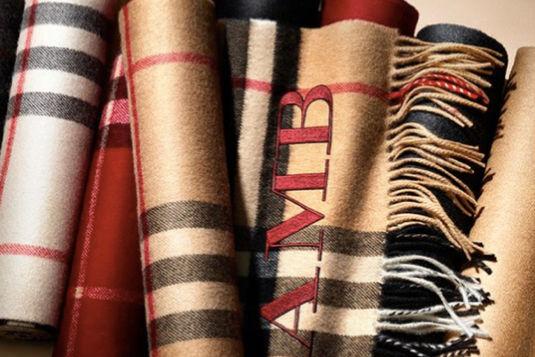 Монограмму могут нанести и на шарф