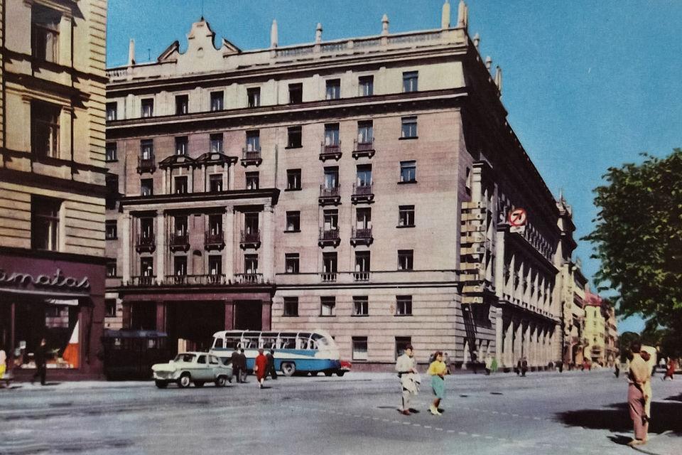 После войны «Рим» стал «Ригой» и быстро возглавил список лучших гостиниц Советского Союза по уровню сервиса